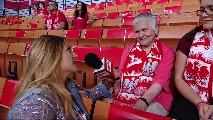 Najsłynniejsza babcia reprezentacji Polski znowu przed kamerą