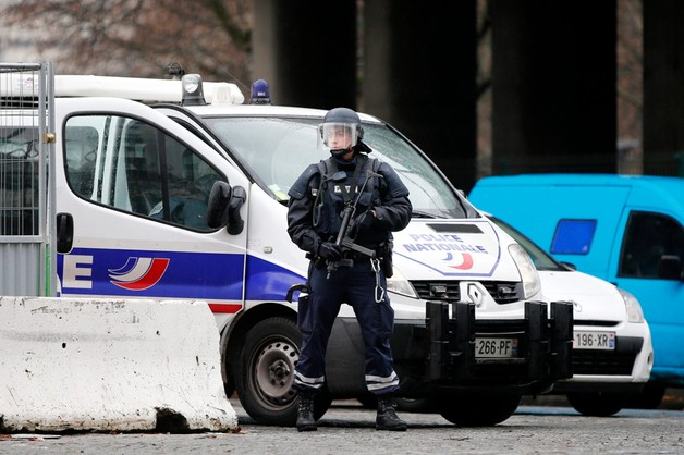 Francja: sprawcy masakry otoczeni