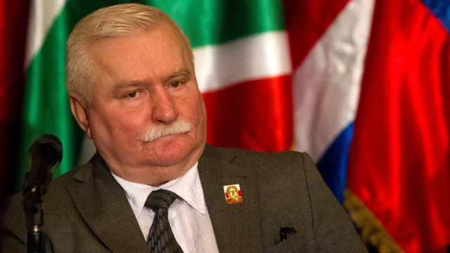 Niemiecka prasa: Brudna kampania prawicy przeciwko Wałęsie