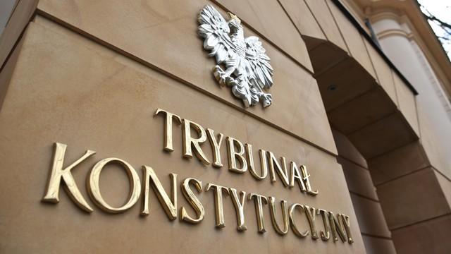 TK: niekonstytucyjne przepisy o zasadach wyboru sędziów do KRS