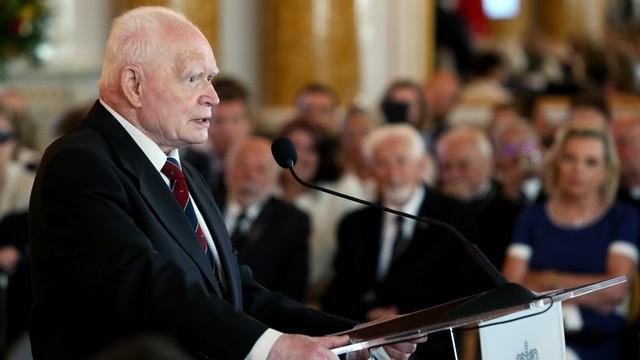 Prof. Adam Strzembosz otrzymał tytuł honorowego obywatela Warszawy