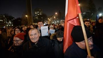 26-11-2015 22:58 Ręce precz od Trybunału - demonstracja przed Sejmem
