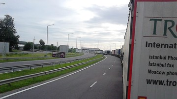 2016-06-13 Kolejka tirów na przejściu granicznym z Ukrainą w Korczowej. To wynik strajku celników