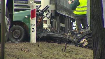 Dwie osoby zginęły w ogniu. Wypadek na drodze krajowej nr 50 w powiecie wołomińskim