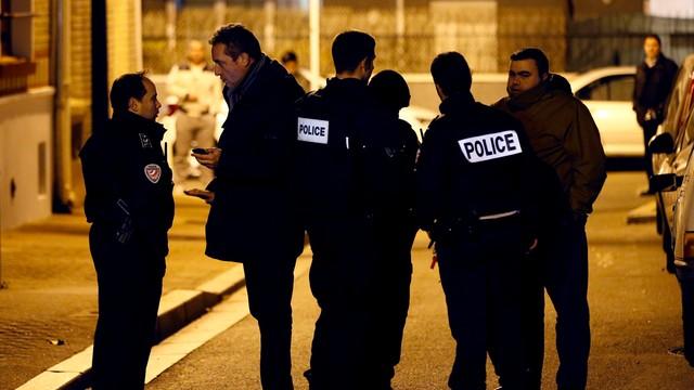 Niemieckie media: Podejrzany o zamachy w Paryżu miał dokumenty na temat ośrodka jądrowego