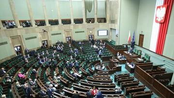 16-03-2016 16:42 Sejmowi prawnicy krytycznie o projekcie ustawy o lekach dla seniorów. Komisje go przyjęły
