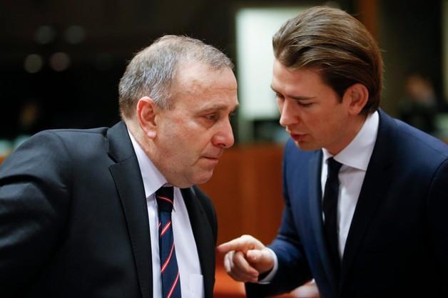 Schetyna w Brukseli rozmawiał o Rosji: sankcje zostają
