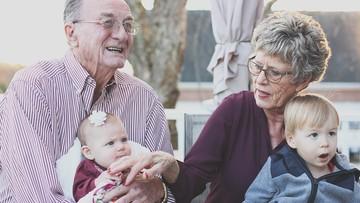 """21-01-2017 09:47 """"Jesteście opoką naszych rodzin"""". Życzenia dla babć i dziadków"""
