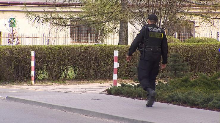 Najmniej zarabiający policjanci dostaną podwyżki - zapowiedziało MSWiA. Wzrośnie też dodatek stołeczny