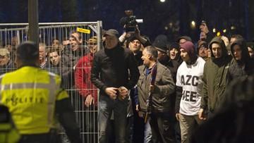 17-12-2015 15:14 CBOS: rośnie liczba Polaków przeciwnych uchodźcom. Tylko 5 proc. badanych pozwoliłoby im osiedlić się w Polsce