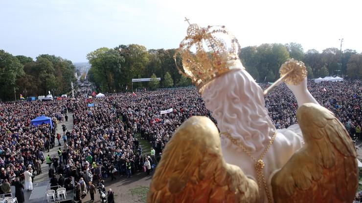 """Ponad 100 tys. wiernych na Jasnej Górze odprawiło """"Wielką Pokutę"""""""