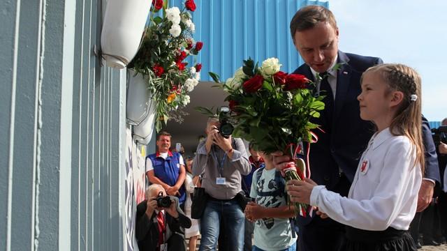 Prezydent Duda złożył kwiaty w Stoczni Gdańskiej