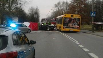 21-03-2017 16:06 Zderzenie  autobusu miejskiego z samochodem osobowym. Jedna osoba nie żyje