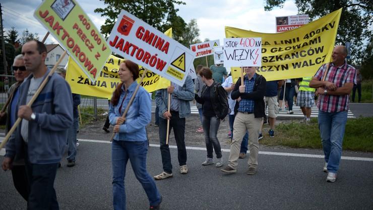 Trasa katowicka już przejezdna. Mieszkańcy protestowali przeciw linii energetycznej