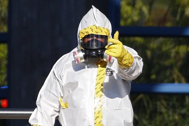 Szczepionki przeciw eboli lecą do Genewy