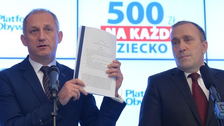 """PO: 500 złotych na każde dziecko. """"Projekt PiS niedobry i oszukańczy"""""""