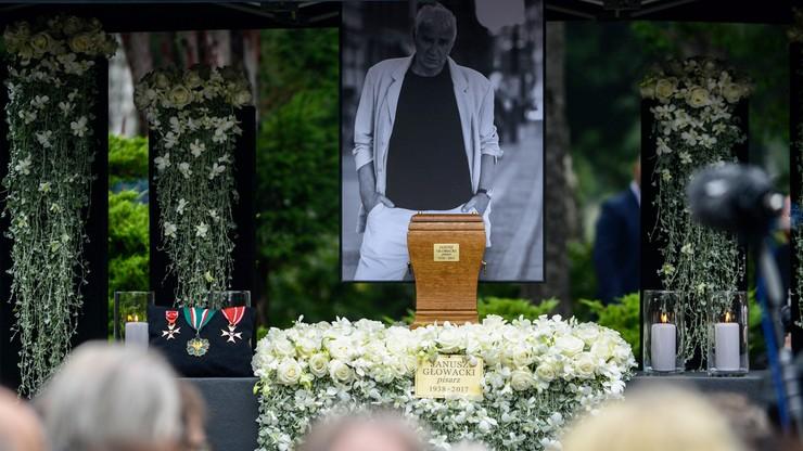 """Pogrzeb Janusza Głowackiego. """"Szukajmy go zawsze, by nic, co nam zostawił, nie zginęło"""""""