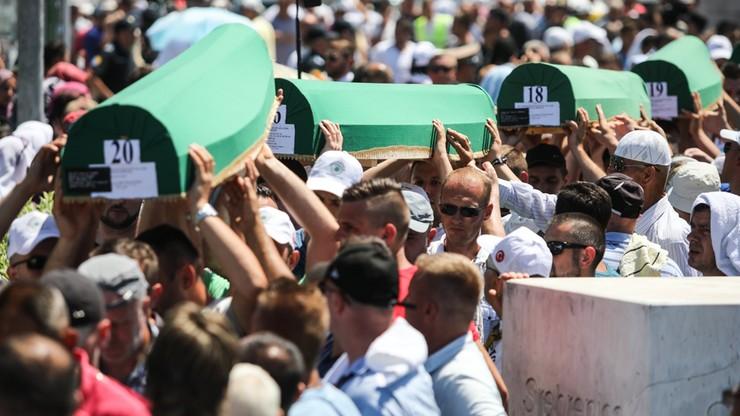 22 lata po masakrze w Srebrenicy pogrzeby kolejnych ofiar
