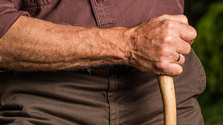PiS: wniosek o odrzucenie projektu o wypłaceniu emerytom i rencistom jednorazowego dodatku