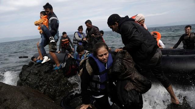 Grecja: kolejne setki migrantów uratowane na morzu