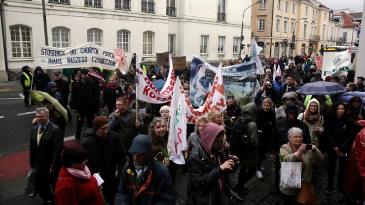 """Ulicami stolicy przeszedł """"Marsz o Godność"""". Poświęcony zdrowiu psychicznemu"""