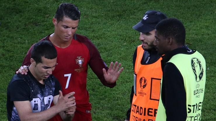 Niespodziewany gość na murawie! Kibic zrobił selfie z Ronaldo