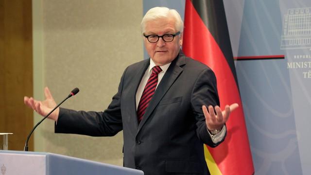 Niemcy: Steinmeier ostrzega przed polityką wymachiwania szabelką wobec Rosji