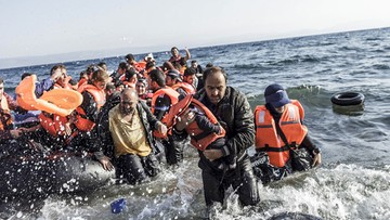15-11-2016 21:40 Kolejny ponton zatonął u wybrzeży Libii. Sto osób uznano za zaginione
