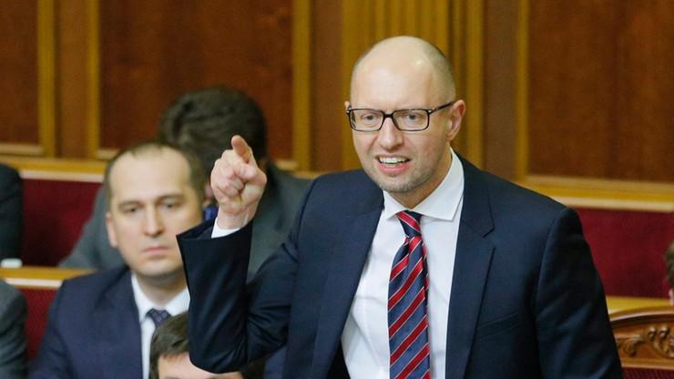 Jaceniuk pozostaje premierem choć parlament nie przyjął jego sprawozdania