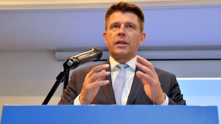 Petru: bezczelna propozycja Kaczyńskiego, żeby wybory samorządowe były tuż po święcie narodowym