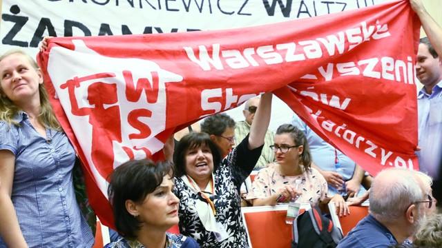 Rada Warszawy: Rozpoczęła się nadzwyczajna sesja ws. reprywatyzacji
