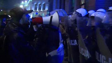 03-10-2016 22:01 Awantura po proteście w Poznaniu. Pięciu policjantów jest rannych