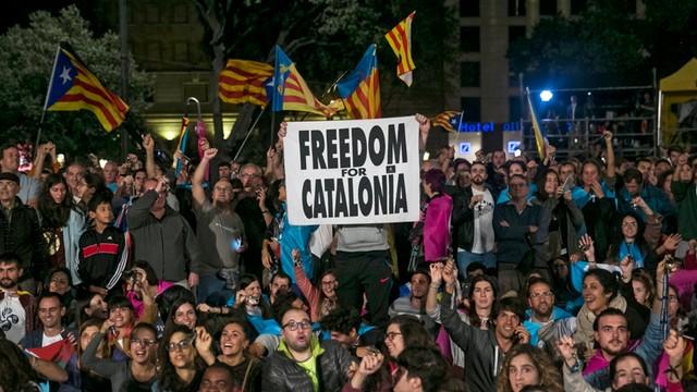 Ok. 180 katalońskich firm przestało płacić podatki Madrytowi