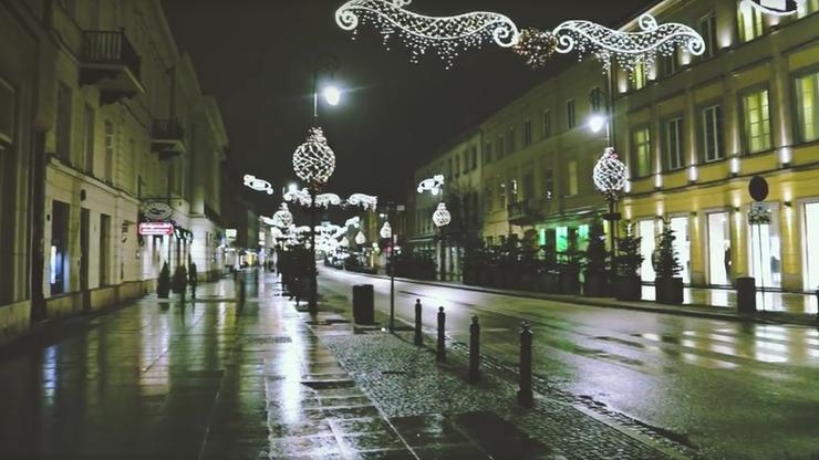 Puste metro, pusty Nowy Świat. Tak wyglądała Warszawa w wigilijny wieczór