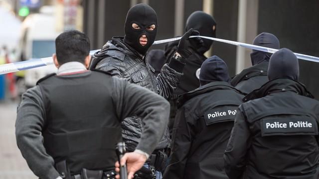 Belgia: podczas rewizji w Brukseli znaleziono kolejną bombę