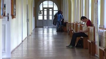 17-05-2016 08:14 Raport NIK: uczelnie publiczne zawyżały opłaty
