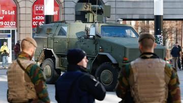 23-11-2015 12:32 Bruksela: już 21 zatrzymanych wskutek przeszukań. Wojsko patroluje ulice