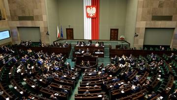 09-06-2016 14:04 W Sejmie debata nad projektami ws. TK