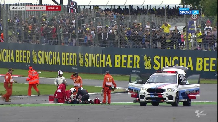 Moto GP: Fatalna kraksa na Silverstone! Karetka na torze