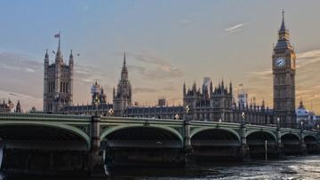 09-10-2016 20:02 Rząd Theresy May gorszy od Trumpa - brytyjska premier w ogniu krytyki