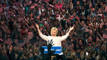 11-06-2016 06:21 USA: Clinton wyprzedza Trumpa