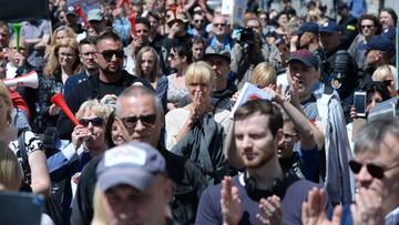 11-06-2016 16:28 Protest frankowiczów: banki łamią prawo