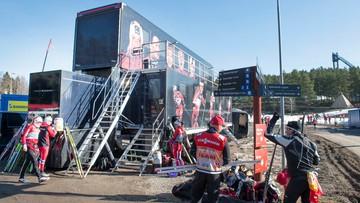 23-10-2016 15:15 Inhalatory w ciężarówce serwisowej norweskich biegaczy narciarskich