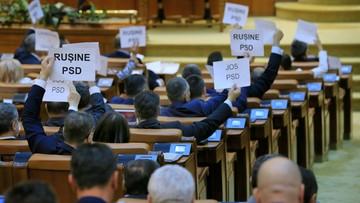 Ustawili się w kształt flagi UE. Protest przeciwko rządowi w Rumunii