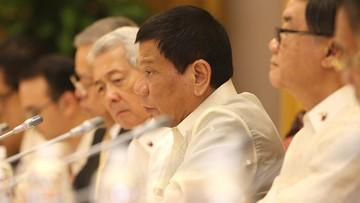 30-09-2016 07:28 Prezydent Filipin porównał się do Hitlera