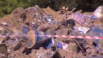 Kolejne beczki z chemikaliami wydobyto w Wielkopolsce. W sumie jest ich już ponad czterysta