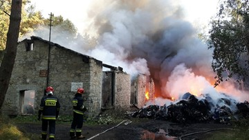 16-09-2016 14:25 Potężny pożar magazynów z tekstyliami w Starachowicach