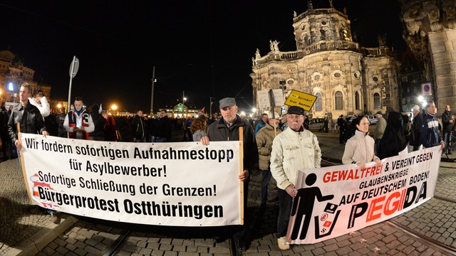 Antyimigrancka manifestacja w Dreźnie. Protestowało kilkanaście tysięcy osób
