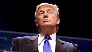 """03-01-2018 05:36 """"Też mam przycisk atomowy. Jest znacznie większy i potężniejszy. I działa"""". Trump odpowiada przywódcy Korei Płn."""