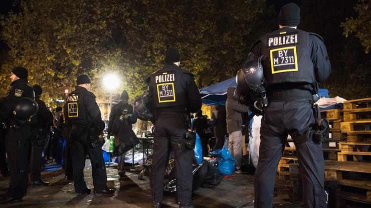 Coraz więcej ataków na imigrantów w Niemczech. Ponad 1800 przypadków od początku roku